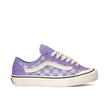 Style 36 Decon Distressed Checkerboard