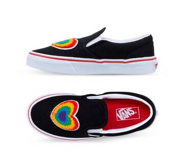 KIDS CLASSIC SLIP ON CHENILLE RAINBOW HEART